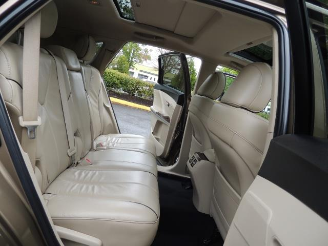 2010 Toyota Venza AWD V6 Wagon / LEATHER / Panoramic Roof / Records - Photo 17 - Portland, OR 97217