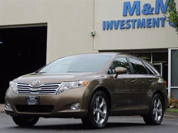 2010 Toyota Venza AWD V6 Wagon / LEATHER / Panoramic Roof / Records Wagon