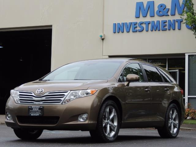 2010 Toyota Venza AWD V6 Wagon / LEATHER / Panoramic Roof / Records - Photo 1 - Portland, OR 97217