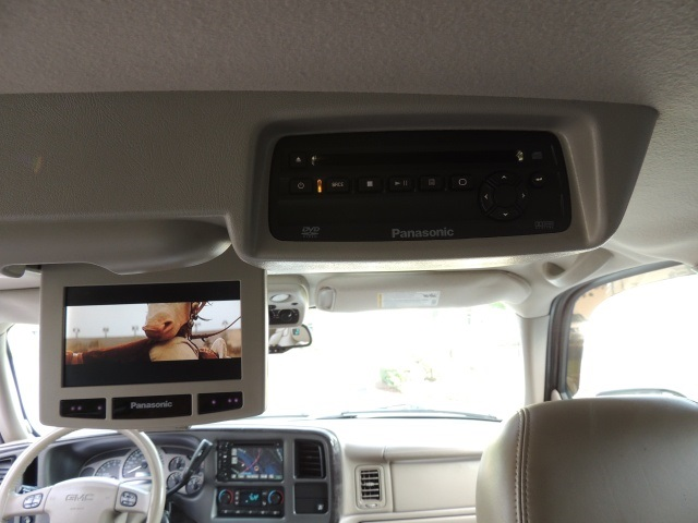 2005 Gmc Yukon Denali Xl Awd 8 Passenger Rear Dvd