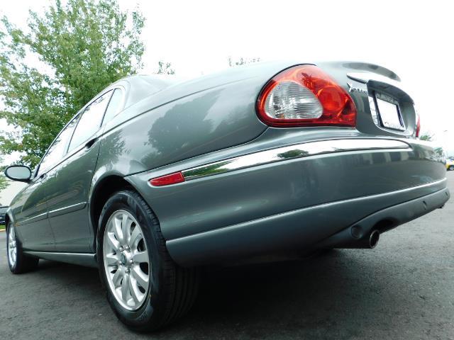 2003 Jaguar X-Type 2.5 / Sedan / AWD / Leather / Sunroof / EXCL COND - Photo 11 - Portland, OR 97217