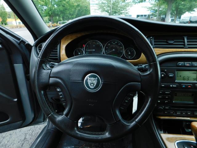 2003 Jaguar X-Type 2.5 / Sedan / AWD / Leather / Sunroof / EXCL COND - Photo 38 - Portland, OR 97217