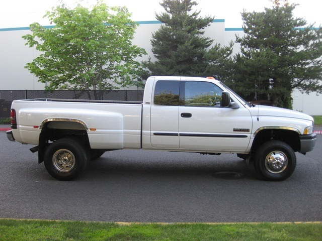 2001 Dodge Ram 3500 4x4 SLT 1-TON Dually - Photo 7 - Portland, OR 97217
