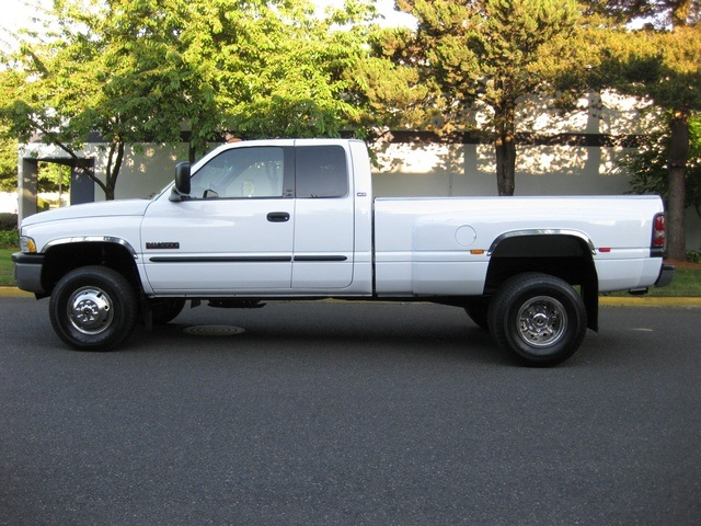 2001 Dodge Ram 3500 4x4 SLT 1-TON Dually - Photo 3 - Portland, OR 97217