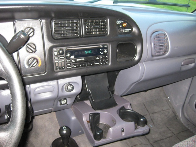 2001 Dodge Ram 3500 4x4 SLT 1-TON Dually - Photo 49 - Portland, OR 97217