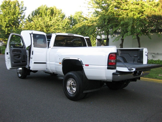 2001 Dodge Ram 3500 4x4 SLT 1-TON Dually - Photo 29 - Portland, OR 97217