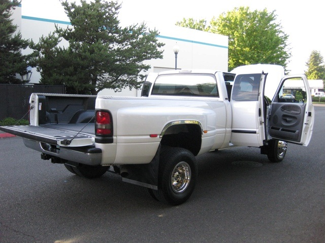 2001 Dodge Ram 3500 4x4 SLT 1-TON Dually - Photo 31 - Portland, OR 97217