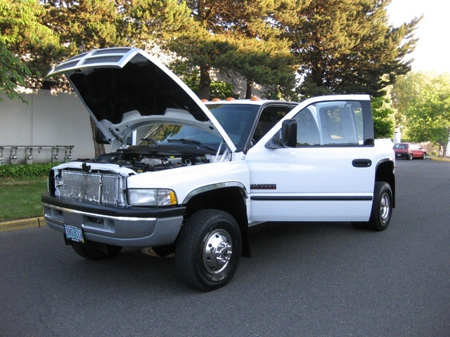 2001 Dodge Ram 3500 4x4 SLT 1-TON Dually - Photo 27 - Portland, OR 97217