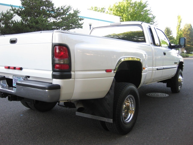 2001 Dodge Ram 3500 4x4 SLT 1-TON Dually - Photo 12 - Portland, OR 97217