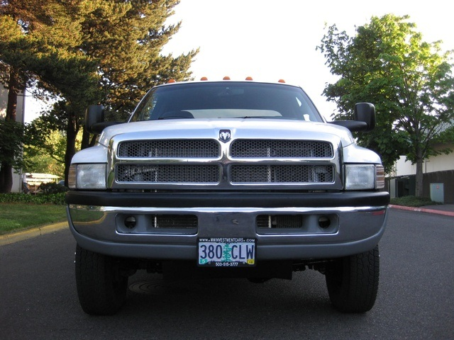 2001 Dodge Ram 3500 4x4 SLT 1-TON Dually - Photo 14 - Portland, OR 97217