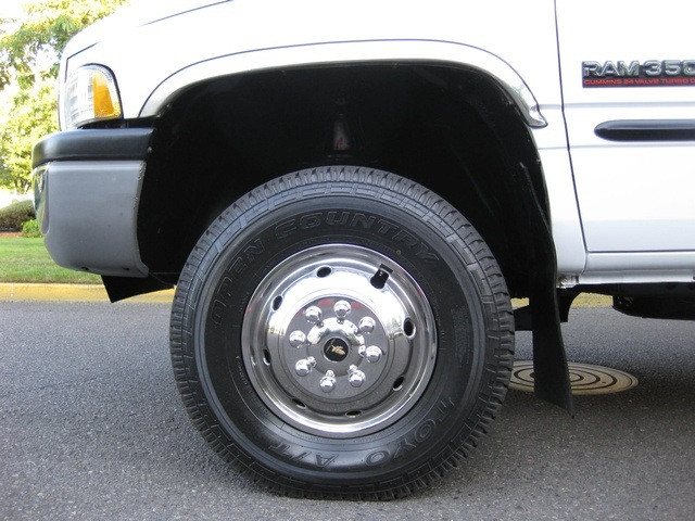 2001 Dodge Ram 3500 4x4 SLT 1-TON Dually - Photo 18 - Portland, OR 97217