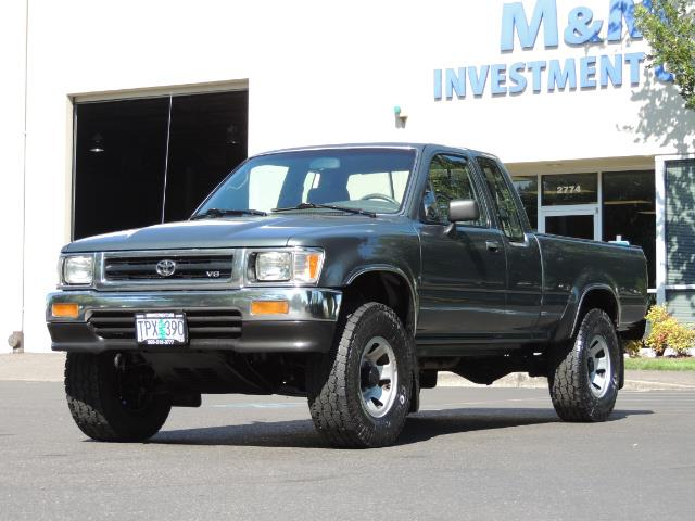1993 Toyota Pickup Deluxe V6 2dr Deluxe V6 / 4X4 / 5-SPEED / 1-OWNER - Photo 34 - Portland, OR 97217