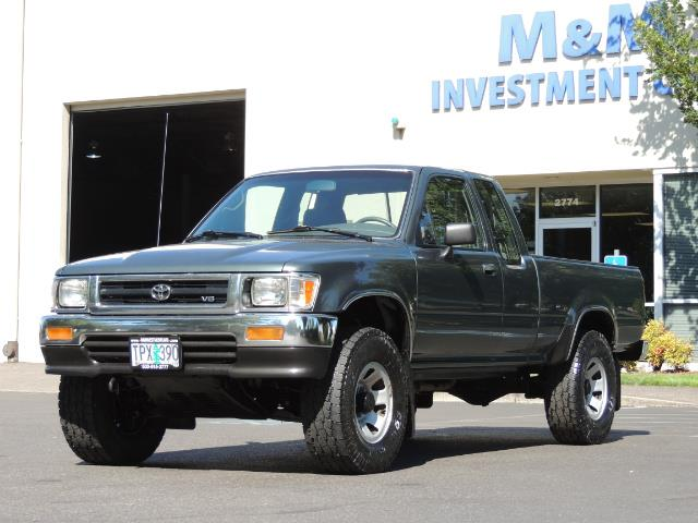 1993 Toyota Pickup Deluxe V6 2dr Deluxe V6 / 4X4 / 5-SPEED / 1-OWNER - Photo 36 - Portland, OR 97217