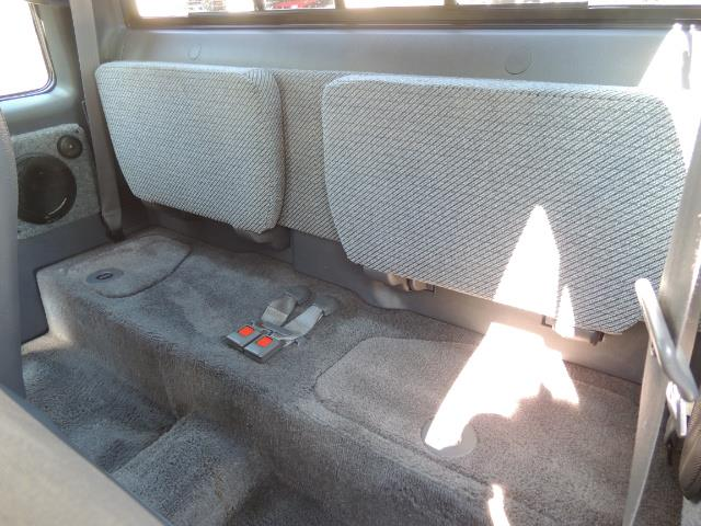 1993 Toyota Pickup Deluxe V6 2dr Deluxe V6 / 4X4 / 5-SPEED / 1-OWNER - Photo 14 - Portland, OR 97217