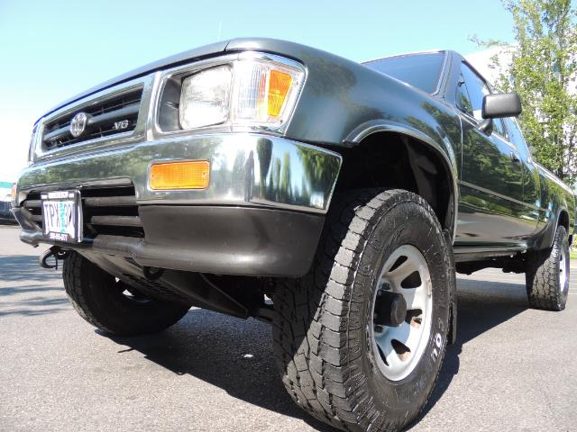 1993 Toyota Pickup Deluxe V6 2dr Deluxe V6 / 4X4 / 5-SPEED / 1-OWNER - Photo 9 - Portland, OR 97217