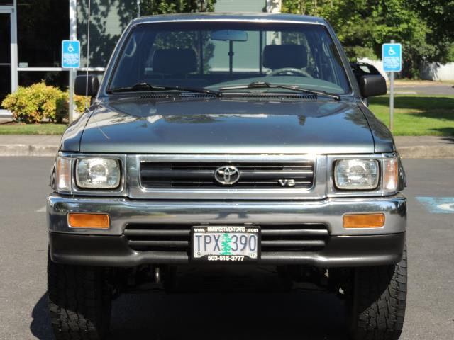 1993 Toyota Pickup Deluxe V6 2dr Deluxe V6 / 4X4 / 5-SPEED / 1-OWNER - Photo 5 - Portland, OR 97217