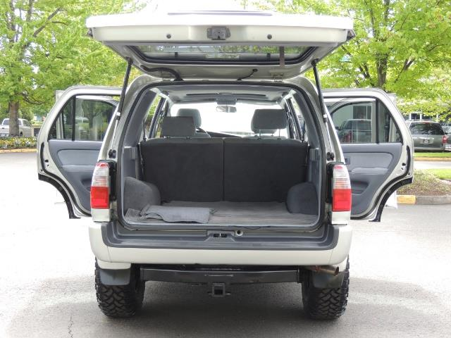 2000 Toyota 4Runner SPORT SR5 / 4X4 / Sunroof / LIFTED LIFTED - Photo 16 - Portland, OR 97217