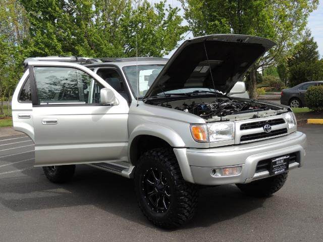 2000 Toyota 4Runner SPORT SR5 / 4X4 / Sunroof / LIFTED LIFTED - Photo 10 - Portland, OR 97217