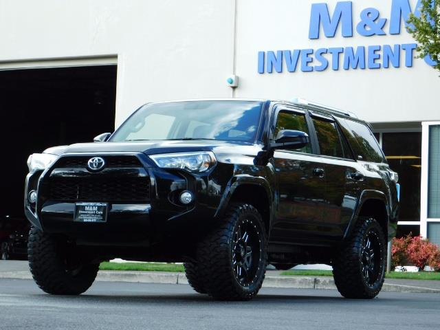2016 Toyota 4Runner SR5 / 4WD / Navi / Backup Camera/ LIFTED LIFTED - Photo 46 - Portland, OR 97217