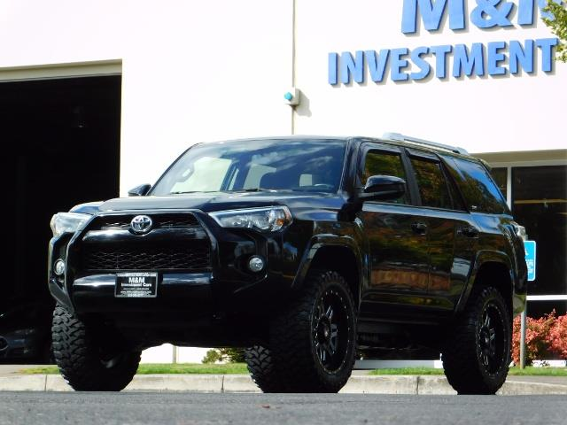 2016 Toyota 4Runner SR5 / 4WD / Navi / Backup Camera/ LIFTED LIFTED - Photo 45 - Portland, OR 97217