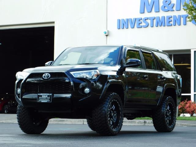 2016 Toyota 4Runner SR5 / 4WD / Navi / Backup Camera/ LIFTED LIFTED - Photo 49 - Portland, OR 97217