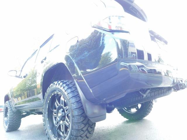 2016 Toyota 4Runner SR5 / 4WD / Navi / Backup Camera/ LIFTED LIFTED - Photo 42 - Portland, OR 97217