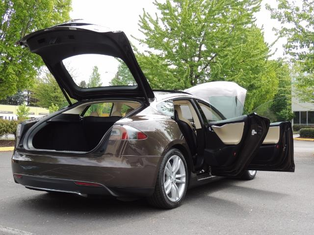 2013 Tesla Model S Signature 85kWh / Panorama Roof / Navigation / - Photo 29 - Portland, OR 97217