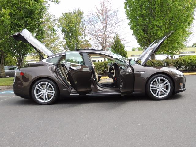 2013 Tesla Model S Signature 85kWh / Panorama Roof / Navigation / - Photo 30 - Portland, OR 97217