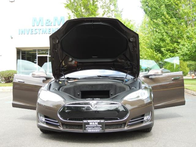 2013 Tesla Model S Signature 85kWh / Panorama Roof / Navigation / - Photo 32 - Portland, OR 97217