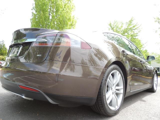 2013 Tesla Model S Signature 85kWh / Panorama Roof / Navigation / - Photo 12 - Portland, OR 97217