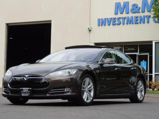 2013 Tesla Model S Signature 85kWh / Panorama Roof / Navigation / - Photo 1 - Portland, OR 97217