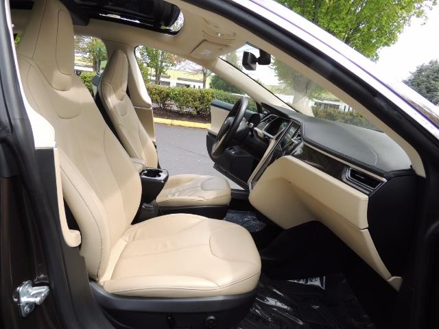 2013 Tesla Model S Signature 85kWh / Panorama Roof / Navigation / - Photo 17 - Portland, OR 97217