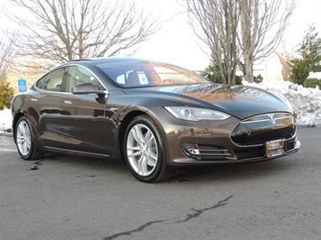 2013 Tesla Model S Signature 85kWh / Panorama Roof / Navigation / Sedan