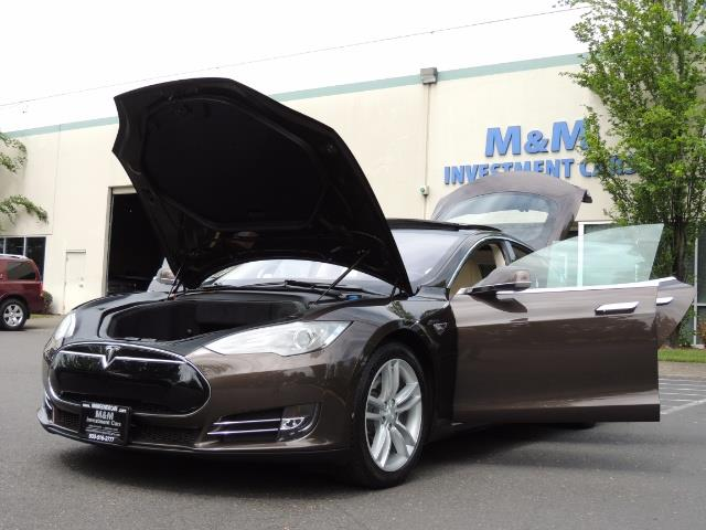2013 Tesla Model S Signature 85kWh / Panorama Roof / Navigation / - Photo 25 - Portland, OR 97217