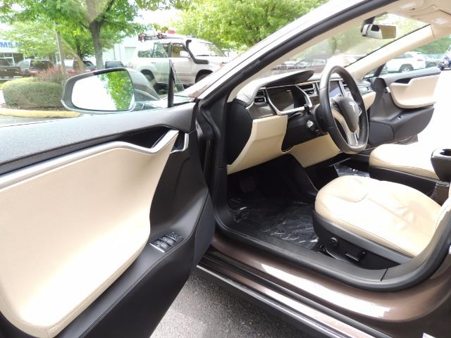 2013 Tesla Model S Signature 85kWh / Panorama Roof / Navigation / - Photo 13 - Portland, OR 97217