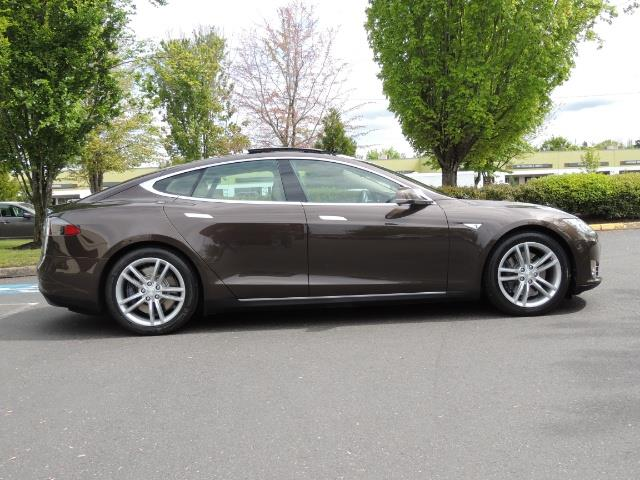 2013 Tesla Model S Signature 85kWh / Panorama Roof / Navigation / - Photo 4 - Portland, OR 97217