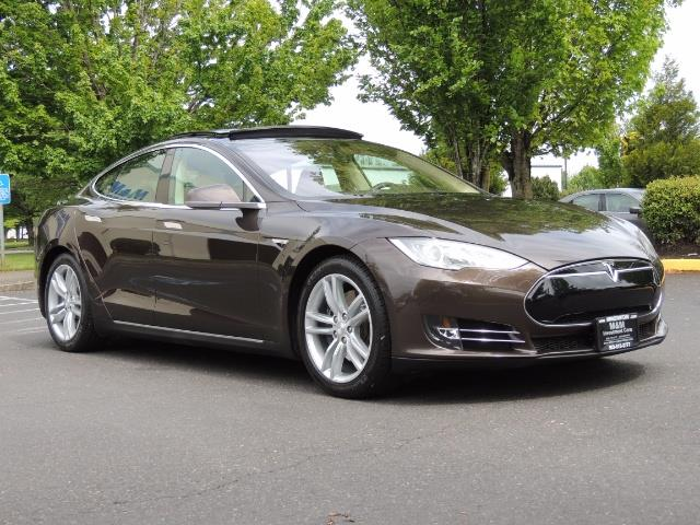 2013 Tesla Model S Signature 85kWh / Panorama Roof / Navigation / - Photo 2 - Portland, OR 97217