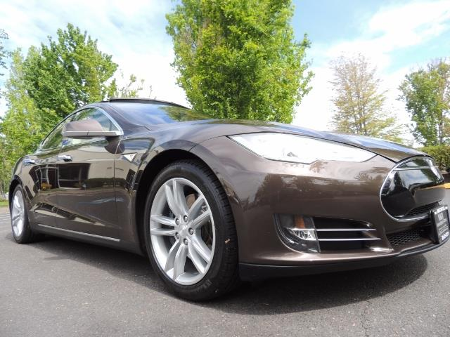 2013 Tesla Model S Signature 85kWh / Panorama Roof / Navigation / - Photo 10 - Portland, OR 97217