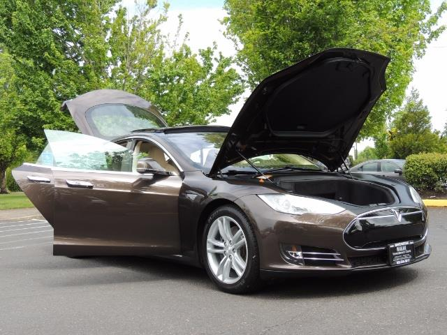 2013 Tesla Model S Signature 85kWh / Panorama Roof / Navigation / - Photo 31 - Portland, OR 97217