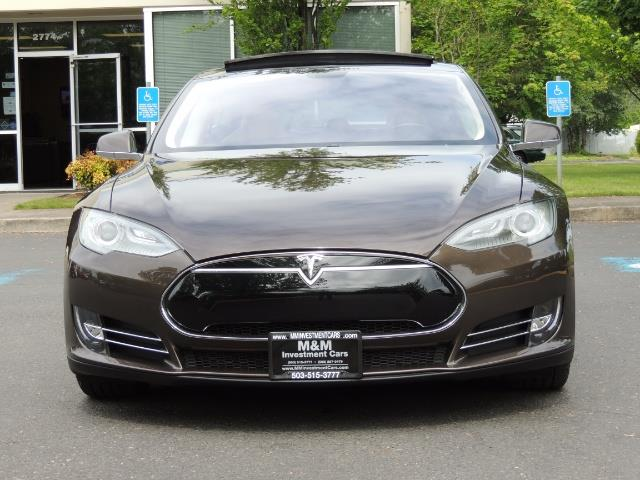 2013 Tesla Model S Signature 85kWh / Panorama Roof / Navigation / - Photo 5 - Portland, OR 97217