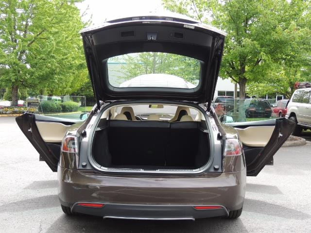 2013 Tesla Model S Signature 85kWh / Panorama Roof / Navigation / - Photo 28 - Portland, OR 97217