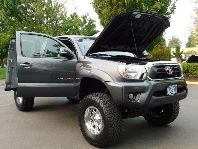 2012 Toyota Tacoma V6 / TRD SPORT / 4X4 / LIFTED LIFTED - Photo 31 - Portland, OR 97217
