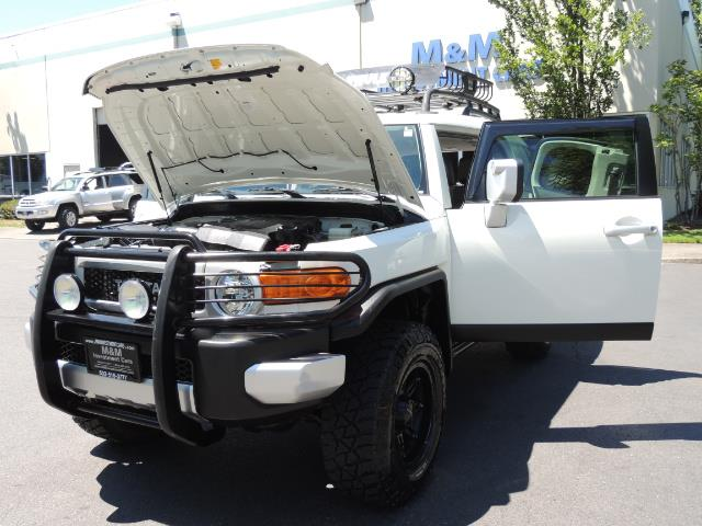 2013 Toyota FJ Cruiser 4X4 / DIFF LOCKS / LIFTED / 1-OWNER - Photo 25 - Portland, OR 97217
