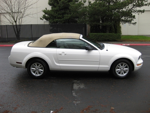 2005 ford mustang convertible power top v6 automatic low miles. Black Bedroom Furniture Sets. Home Design Ideas