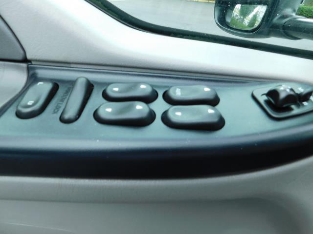 2001 Ford F-350 Super Duty XLT / 4X4 / 7.3L DIESEL / Excel Cond - Photo 33 - Portland, OR 97217