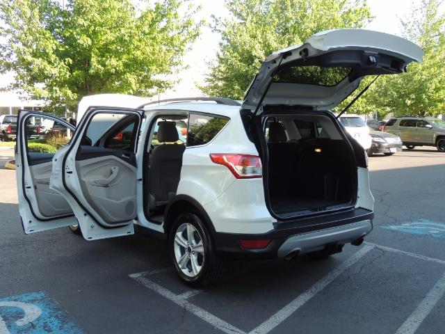 2014 Ford Escape SE / AWD / Panorama Sunroof/ Heated Seats / 1-OWNE - Photo 27 - Portland, OR 97217