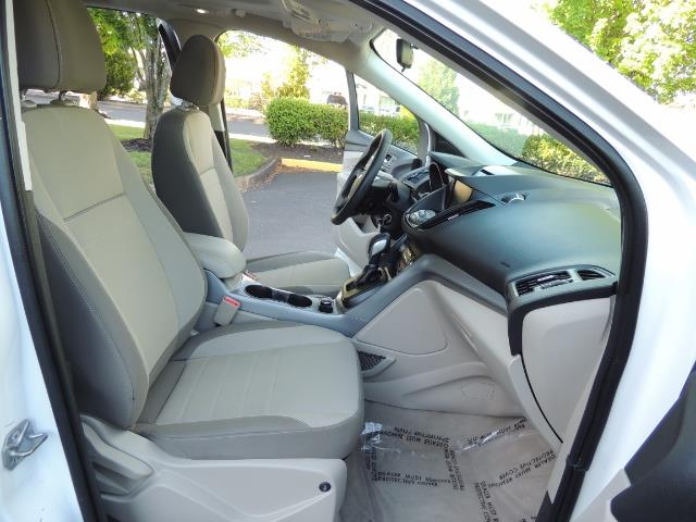 2014 Ford Escape SE / AWD / Panorama Sunroof/ Heated Seats / 1-OWNE - Photo 16 - Portland, OR 97217