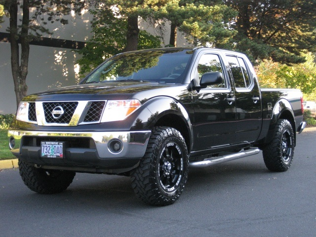 2007 nissan frontier se crew cab 4x4 lifted 1 owner. Black Bedroom Furniture Sets. Home Design Ideas