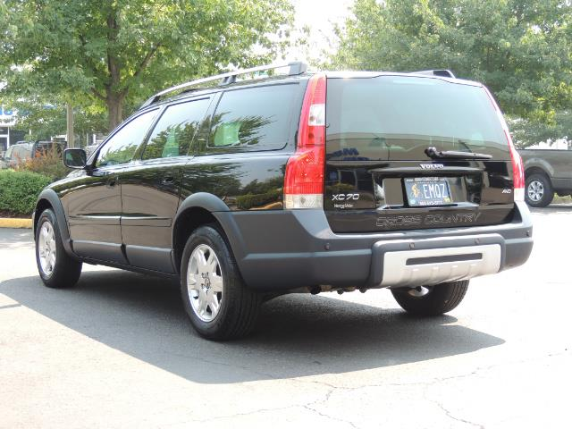 2006 Volvo XC70 2.5T / Cross Country / AWD / Leather /Heated seats - Photo 7 - Portland, OR 97217