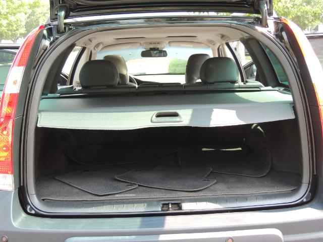 2006 Volvo XC70 2.5T / Cross Country / AWD / Leather /Heated seats - Photo 18 - Portland, OR 97217